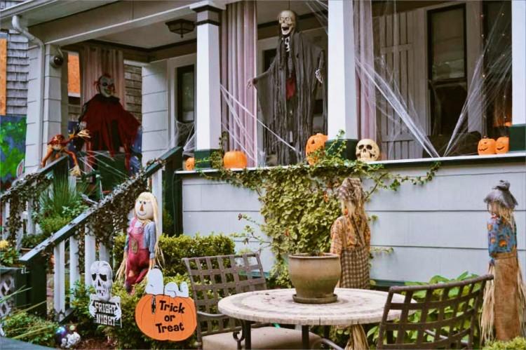 decoration-sympa-exterieur-maison-halloween