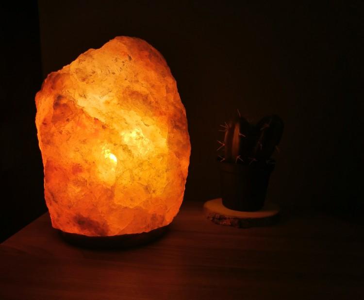 les-bienfaits-d-une-pierre-de-sel-dans-son-intérieur