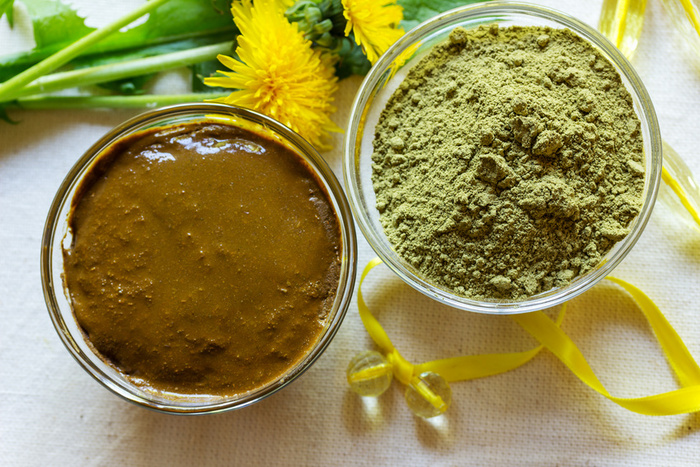 Henna powder. Henna paste. Prepare henna paste.